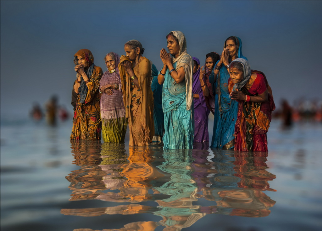 深圳杯铜牌 作者:DEBNATH SUJOY 国家:India 标题:COLOUR FULL WATER