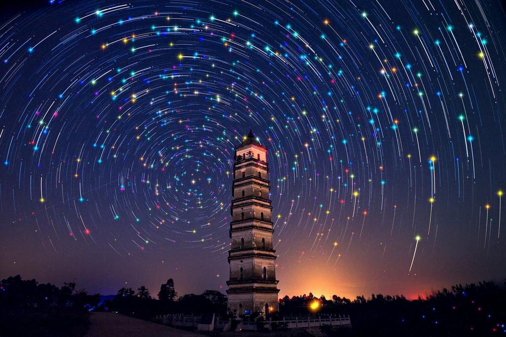 EFA铜牌 作者:Fuyang Zhou 国家:China 标题:Starry night